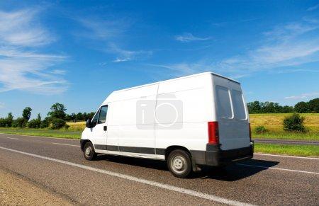 Photo pour Van en mouvement - image libre de droit