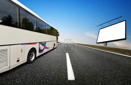 Photo pour Bus autocar - image libre de droit