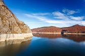 Jezero Vidraru v Rumunsku
