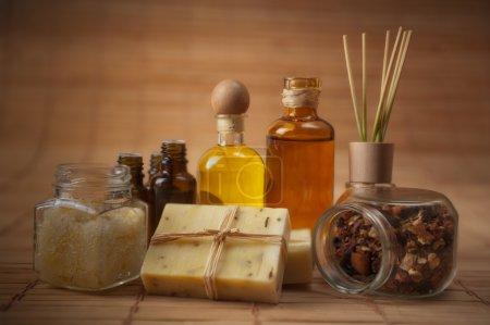 Photo pour Fournitures de l'aromathérapie et soins du corps - image libre de droit