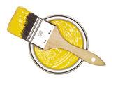 Peinture jaune peut avec brosse