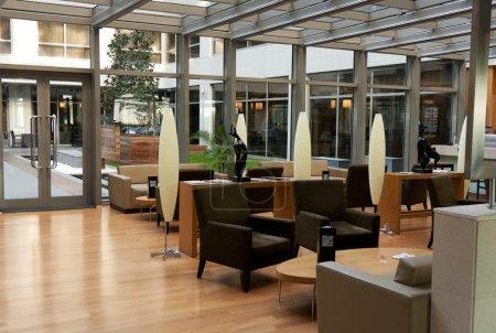 Photo pour Hall de l'hôtel à l'aéroport d'istanbul, Turquie - image libre de droit