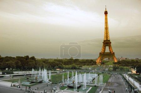 Photo pour Photo de la tour Eiffel à Paris, France - image libre de droit