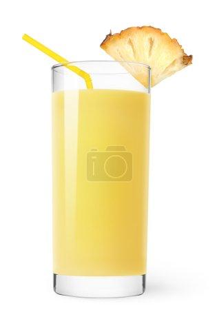 Photo pour Verre de jus d'ananas isolé sur blanc - image libre de droit