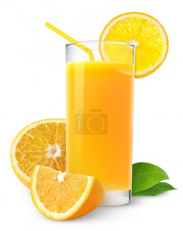 Photo pour Boisson isolée. Glace de jus frais et tranches de fruit orange d'isolement sur le fond blanc - image libre de droit