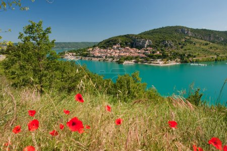 Lac de Saint Croix in the Provence with view on Ba...