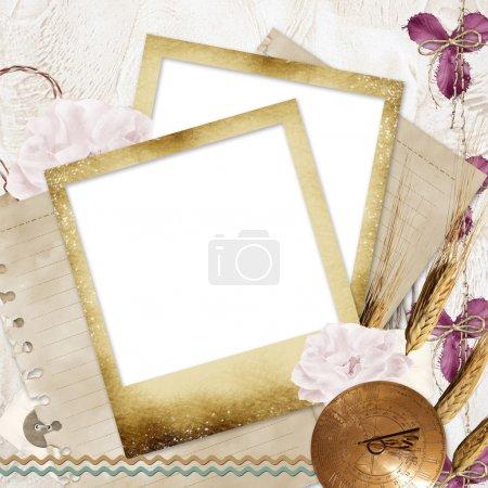 Foto de Marcos de fotos en blanco sobre fondo de fondos con el viejo papel, flores, ver - Imagen libre de derechos