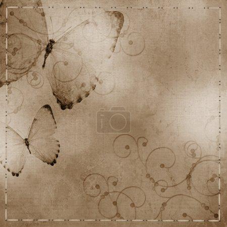 Photo pour Fond bleu pastel et violet avec papillon - image libre de droit