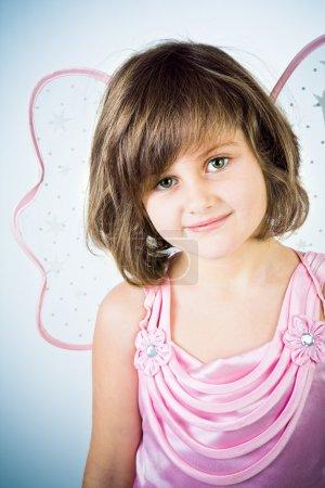 Photo pour Petite fille dans un costume de la fée - image libre de droit