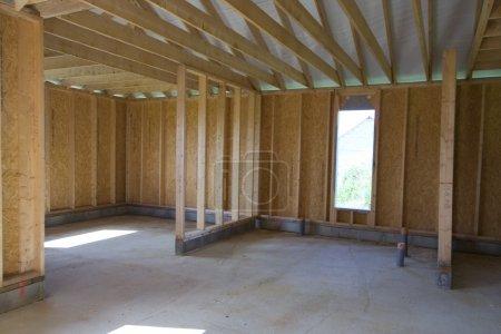 Photo pour Partie d'une construction de maison en bois - image libre de droit