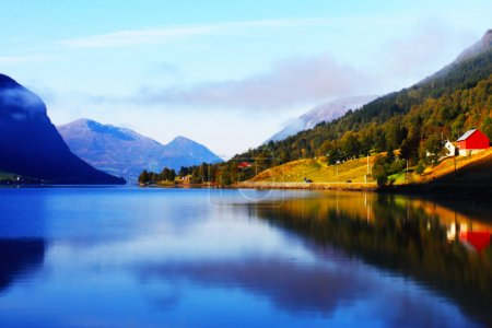Photo pour Montagnes scandinaves, Mer du Nord, prises en septembre - image libre de droit