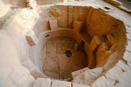 Photo pour Ruines indiennes à mesa verde, colorado. Kiva - image libre de droit