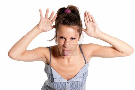 Photo pour Expression jeune blague gaie féminin isolée sur fond blanc - image libre de droit