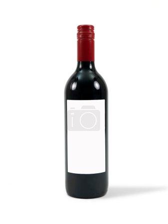 Photo pour Une bouteille de vin rouge de cleanskin isolée sur fond blanc - image libre de droit