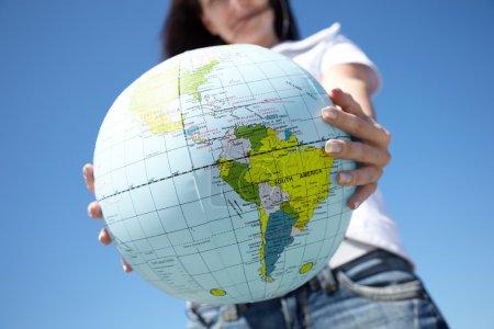 Photo pour Geo concept, mise au point sélective sur la partie la plus proche du globe - image libre de droit