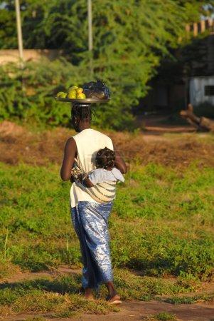 Photo pour Mère africaine - image libre de droit