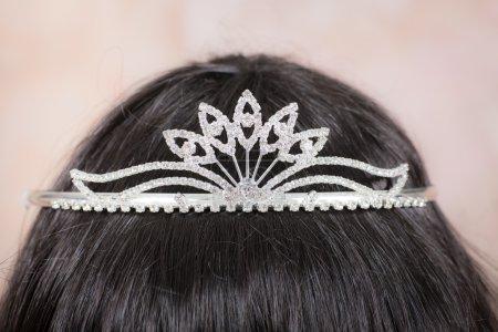Beautiful tiara with artificial diamonds 5