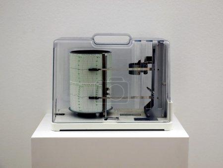 Photo pour Un hygromètre pour mesurer l'humidité relative - image libre de droit