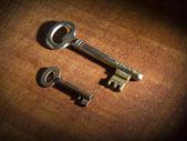Dva staré klíče