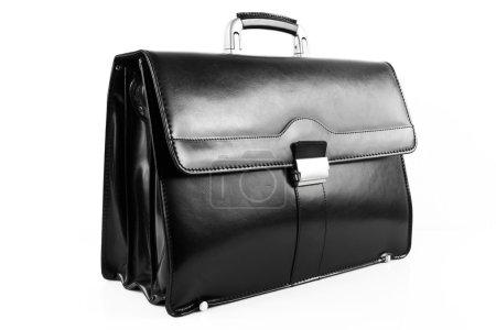 Photo pour Nouvelle mallette en cuir noir sur fond blanc - image libre de droit