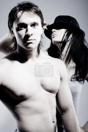 Photo pour Portrait de belle fille et bel homme - image libre de droit