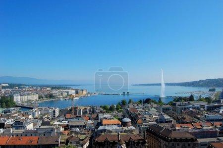 Photo pour Lac Léman et la ville de Genève, Suisse - image libre de droit