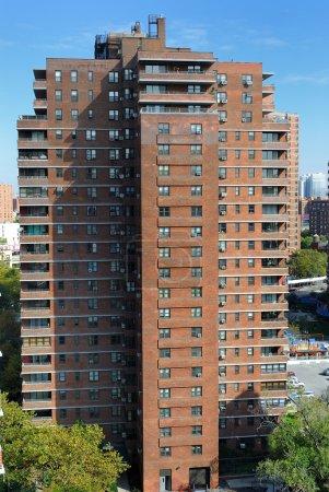 Photo pour Un immeuble résidentiel urbain à Manhattan New York . - image libre de droit