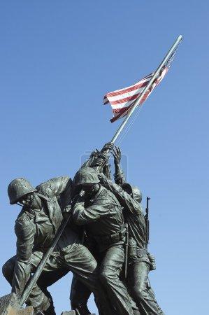 Photo pour Mémorial Iwo Jima dédié au corps des Marines des États-Unis dans le cimetière national d'Arlington, VA - vue rapprochée - image libre de droit