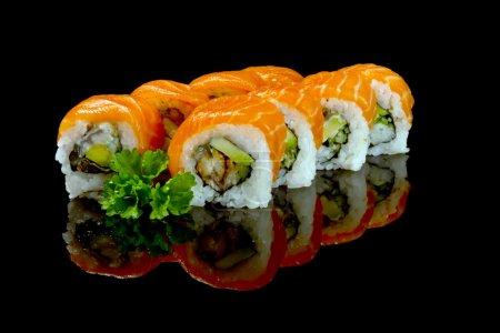 Photo pour Ensemble de sushis de saumon isolé sur blanc - image libre de droit
