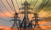 "Постер, картина, фотообои ""Башни энергии на фоне электрические неба"""