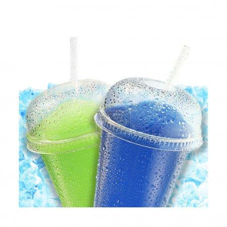 Photo pour Fruits de glace écrasés rafraîchissement w paille - image libre de droit