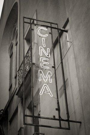 Photo pour Lettres lumineuses de cinéma - image libre de droit