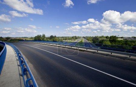 Photo pour Route vide sur l'autoroute - image libre de droit