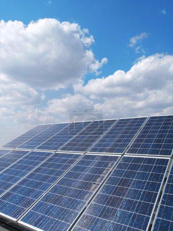 Foto de Energías renovables, paneles solares - Imagen libre de derechos