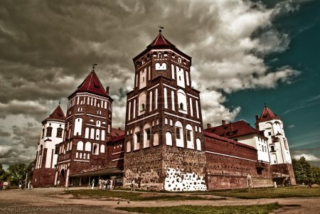 Photo pour Complexe du château de Mir en Biélorussie (UNESCO, Liste du patrimoine mondial # 625 ) - image libre de droit